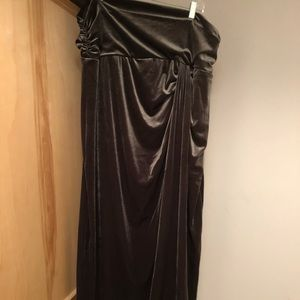 NWT Kiyonna dark green stretch velvet maxi skirt